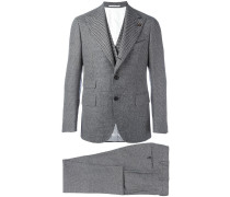 Dreiteiliger Anzug mit Muster