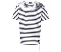 Gestreiftes T-Shirt mit Totenkopf