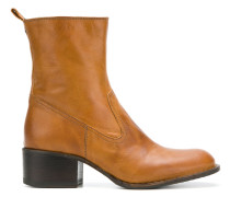 Tinder taz boots