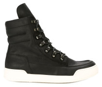 High-Top-Sneakers mit kontrastierender Sohle