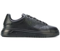 Sneakers mit LogoPrägung