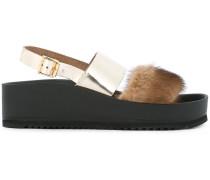 Sandalen mit Fellbesatz