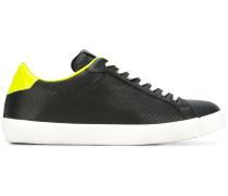 Sneakers mit Kontrasteinsatz - men