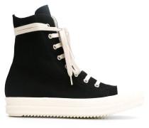 Sneakers mit seitlichem Reißverschluss