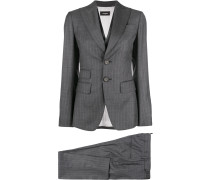 tailored fitted suit