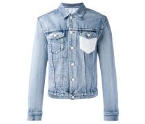 Jeansjacke mit gehäkelter Brusttasche