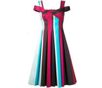 Gestreiftes Kleid mit Falten