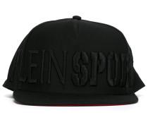 Kappe mit aufgesticktem Logo