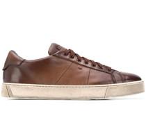 Ausgeblichene Sneakers