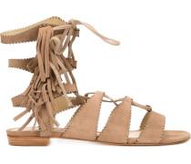 Sandalen mit Schnürung und Fransen