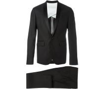 Zweiteiliger Anzug mit Seidenrevers