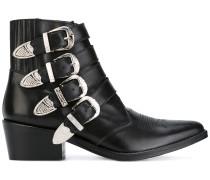 Stiefel mit Riemen