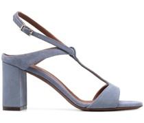 Sandalen mit T-Riemen