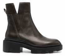Stiefel mit Cut-Outs