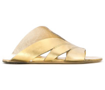 Flache Sandalen im Metallic-Look - women