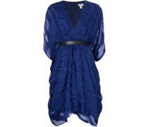 - Kleid mit Gürtel und V-Ausschnitt - women