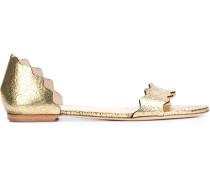 Sandalen mit gewellten Kanten