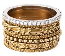 Acht Goldringe mit Diamanten