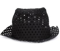 Perforierter Hut