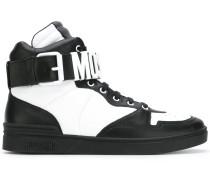 HighTopSneakers mit Logo