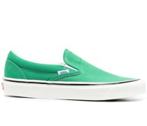 Classic Slip-On-Sneakers