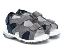 Sandalen mit Klettverschluss
