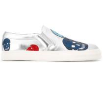 Slip-On-Sneakers mit Totenköpfen