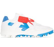Sneakers mit Pfeilmotiv