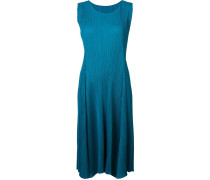 Plissiertes Kleid mit ärmellosem Design