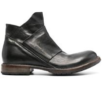 Stiefel mit elastischem Riemen
