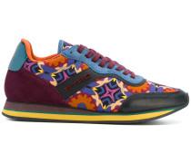 Sneakers mit Muster-Print