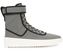 High-Top-Sneakers mit Paspelierung