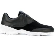 Sneakers mit Samteinsatz