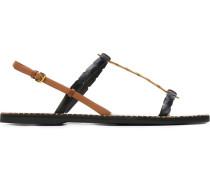 Flache Sandalen mit geflochtenen Riemen