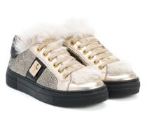 Sneakers mit Kaninchenfellbesatz