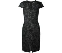 Kleid mit angeschnittenen Ärmeln