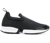 Slip-On-Sneakers mit Nieten