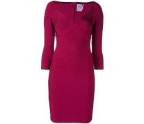 Figurnahes Kleid mit gewebtem Design