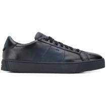 Sneakers mit ausgeblichener Optik