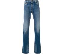 Bootcut-Jeans mit Logo-Schild