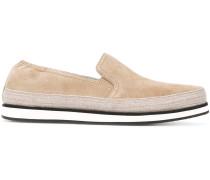 Wildleder-Loafer mit Kontrastsohle