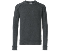 Pullover mit offenen Nähten