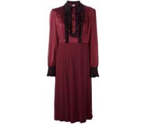 Rüschenbesetztes Kleid mit Knöpfen