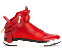 HighTopSneakers mit Schnalle