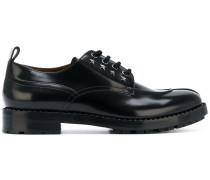 Derby-Schuhe mit sternförmigen Nieten