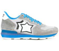 Sneakers mit Sterne-Print