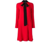 Kleid mit Kontrastschleife