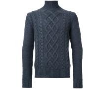 Grobgestrickter Pullover mit Zopfmuster