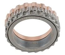 Ring mit mechanischem Design