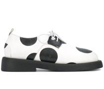 Gepunktete Oxford-Schuhe